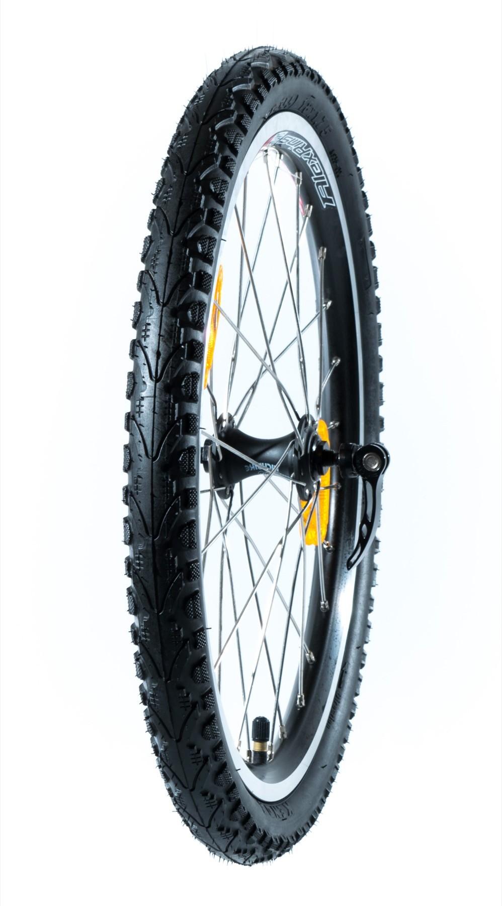 """Takairtopyörä renkaineen 18"""" (Sport G4)"""