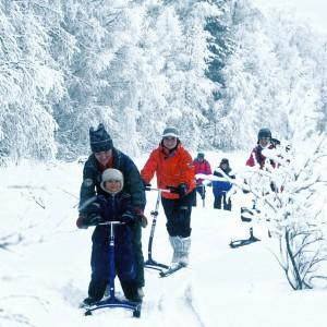 tielle ja lumelle